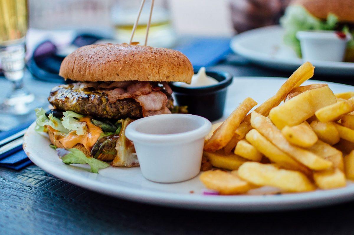 Elevado consumo de sal en las comidas rápidas