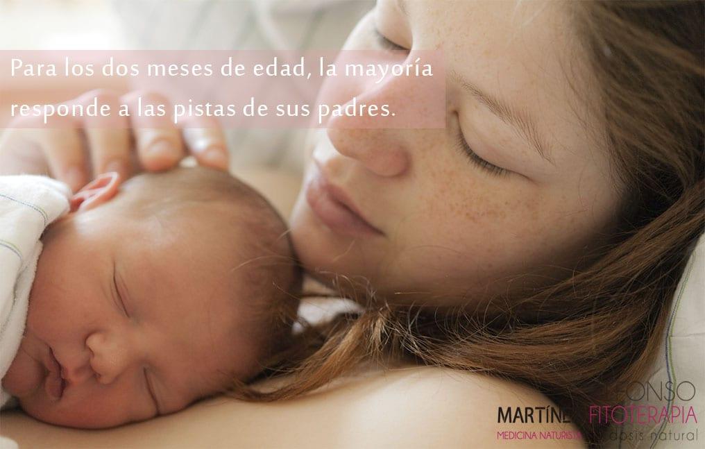 Desde sus primeros días de vida los bebés responden al estimulo de ser abrazados