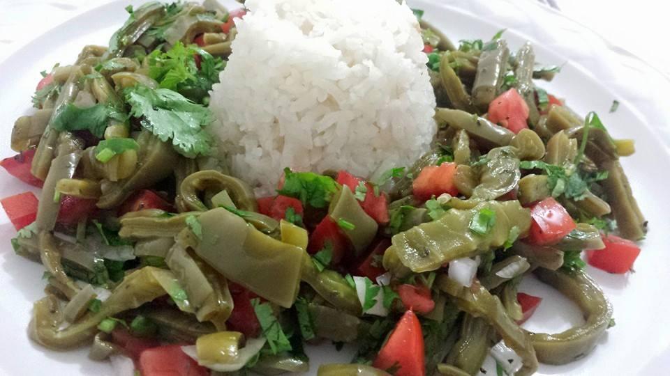 arroz-con-ensalada-de-nopales