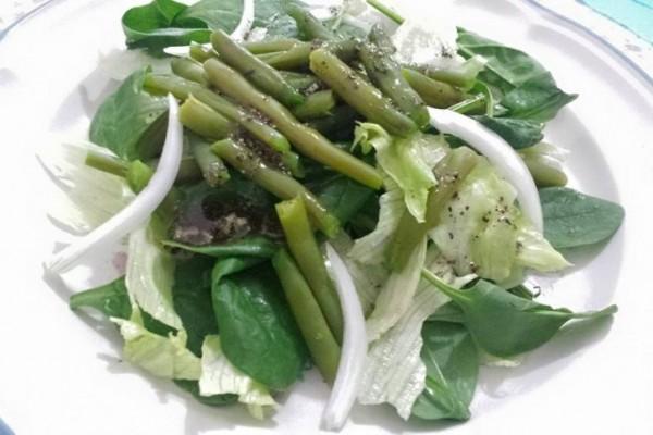 Ensalada de espinacas con ejotes