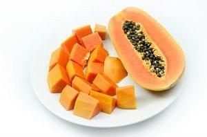 Desintoxica tu cuerpo y baja de peso con la Papaya
