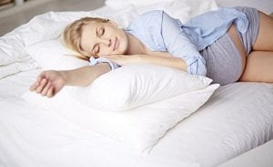 Las mejores posturas para dormir bien durante el embarazo