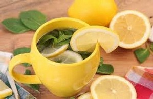 La cáscara de limón es poseedora de sustancias que favorecen nuestra salud como: vitamina C, magnesio, fibra, potasio, ácido cítrico y pectinas.